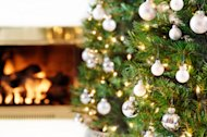 Surprising Christmas Tree Decorating Color Combinations