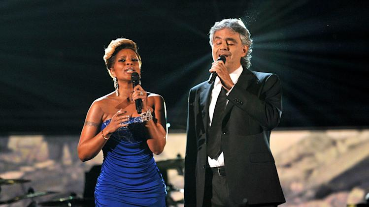 Mary J. Blige and Andrea Bocelli perform at The 52nd Annual Grammy Awards held at Staples Center on January 31, 2010 in Los Angeles, California.