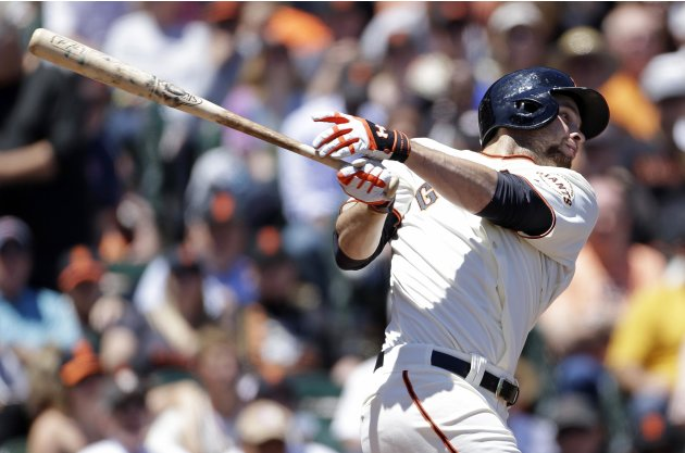 Blanco's 2-run triple in 7th helps Giants win, 4-2