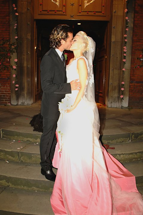 Stefani Rossdale weddingkisses