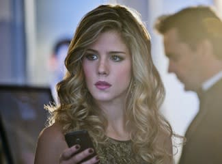 Arrow Fave on Felicity's Smokin' Makeover, Being Oliver's Wingman, Her DC Wiki Page and More