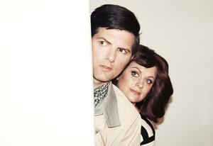 Adam Scott and Amy Poehler | Photo Credits: Brantley Gutierrez