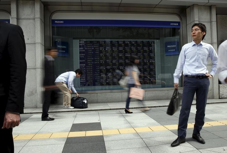 Asia stocks rise as weak US jobs dampen prospects of near-term Fed hike