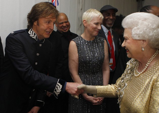 Paul McCartney, Queen, backstage, Diamond Jubilee Concert