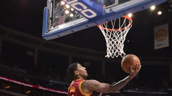 Kyrie Irving's 31 lift Cavs over Magic, 109-100