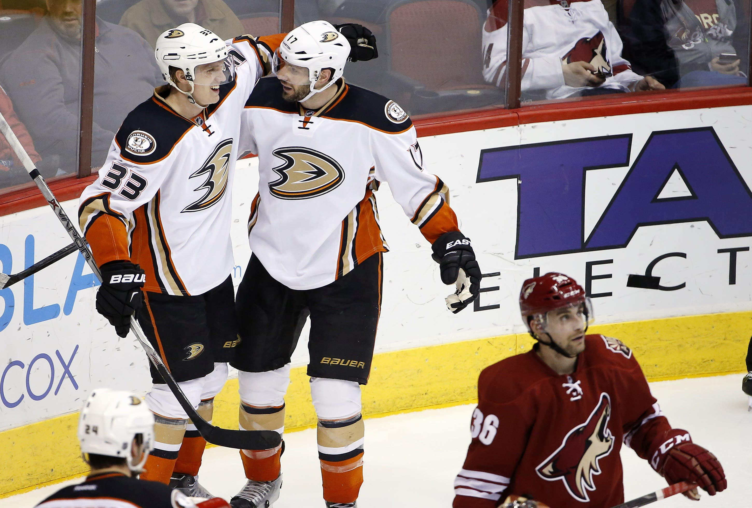 Cogliano scores 2, lifts Ducks over Coyotes 4-1