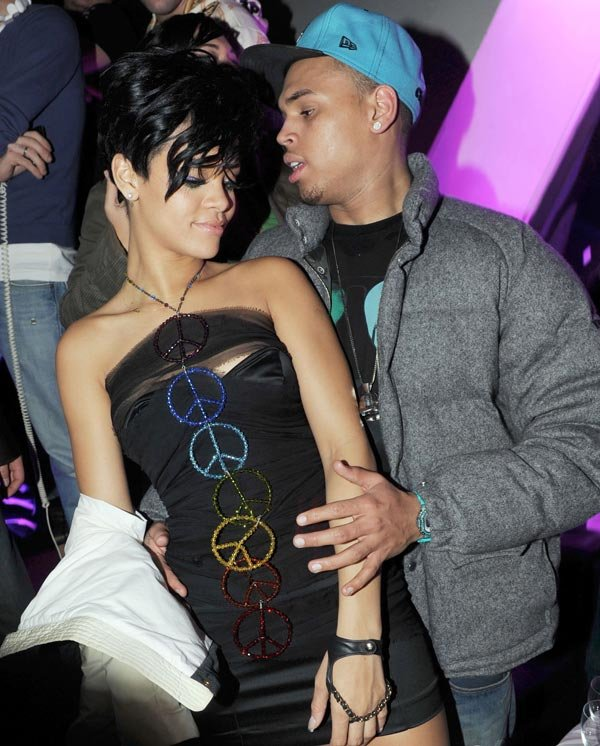 Rihanna's Secret Love Text To Chris Brown Before BET Awards Tonight