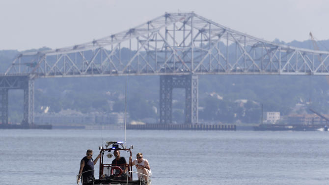 Bridge work challenges boaters at site of NY wreck