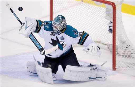 Torres goal gives Sharks 3-2 OT win