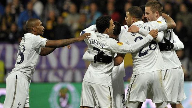 Tottenham Hotspur's  Gylfi Sigurdsson celebrates with team-mates after scoring against Maribor (Reuters)