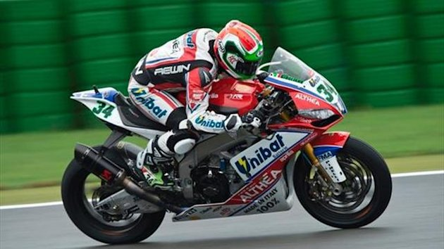 Jerez WSBK: Giugliano leads first qualifying from Melandri, Laverty
