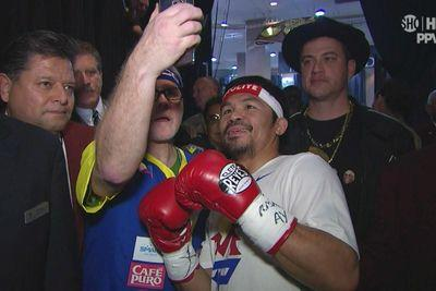 Jimmy Kimmel is in Manny Pacquiao's entourage looking ridiculous