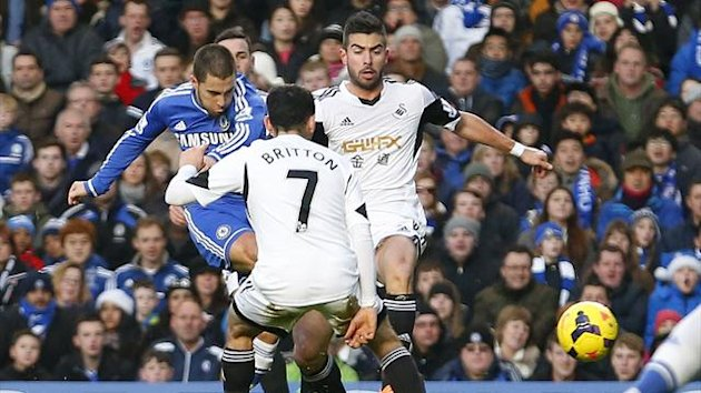 Eden Hazard scores for Chelsea against Swansea (Reuters)