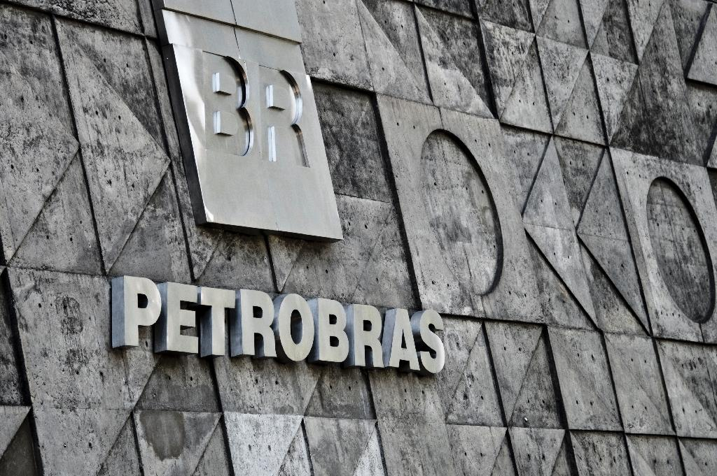 Petrobras shares plunge after new Moody's downgrade