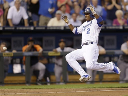 Moustakas powers Royals past Tigers 9-8