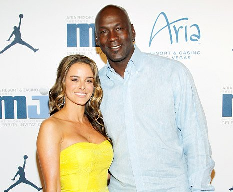 Michael Jordan Applies for Marriage License With Fiancee Yvette Prieto