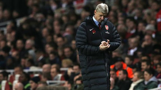 Arsenal's manager Arsene Wenger reacts during their Premier League match against Fulham at Emirates Stadium in London November 10, 2012. REUTERS