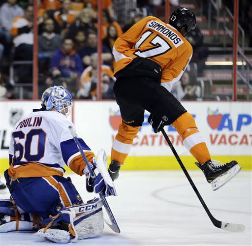 Lauridsen's goal lifts Flyers past Islanders 2-1