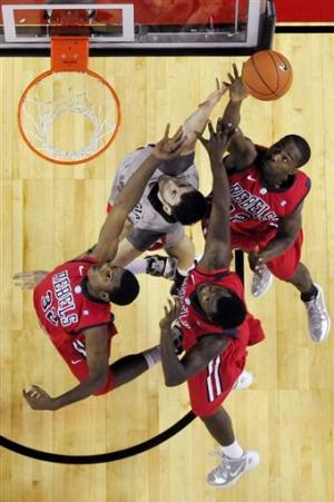 Henry's 24 leads Ole Miss past Georgia 66-63