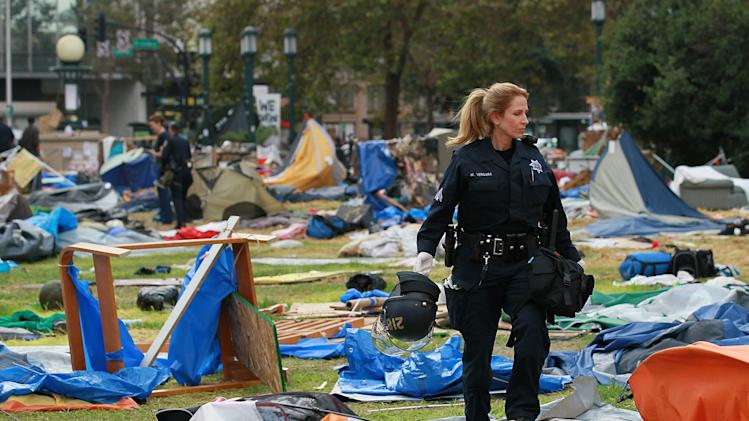 Police Shut Down Occupy Oakland Encampment