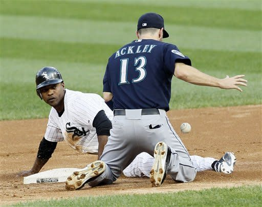 Fill-in Flowers leads Chisox past Mariners