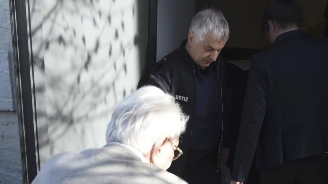 Former bookkeeper at Auschwitz Groening arrives for trial in Lueneburg