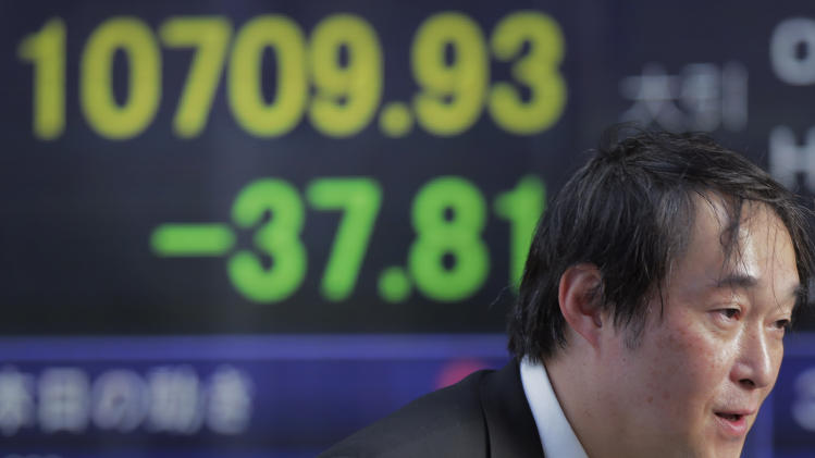 Asia stocks fall ahead of US debt ceiling vote