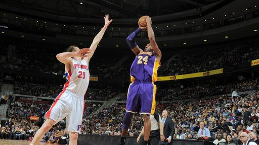 Gasol helps Lakers hold on to beat Pistons 98-97