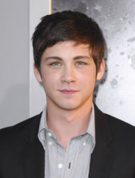 Logan Lerman&#39;s travel plans wrecked by forgotten passport