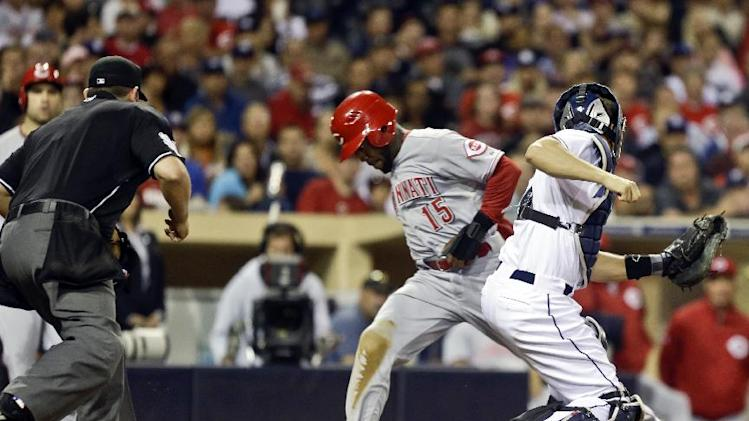Denorfia's pinch-hit HR lifts Padres over Reds
