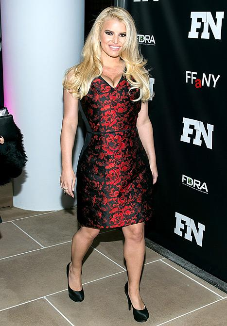 Jessica Simpson Looks Gorgeous