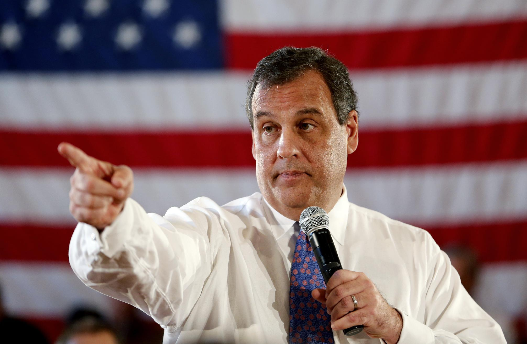 Christie spars with teacher at New Jersey town hall