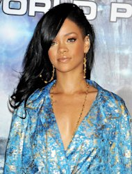 Rihanna dice que todavía ama a Chris Brown