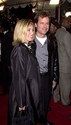 Premiere: Greg Kinnear and his gal at the Hollywood premiere of Paramount's Down To Earth - 2/12/2001