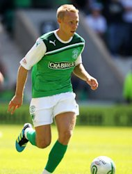 Hibernian say that Danny Galbraith's absence from training is merely due to injury