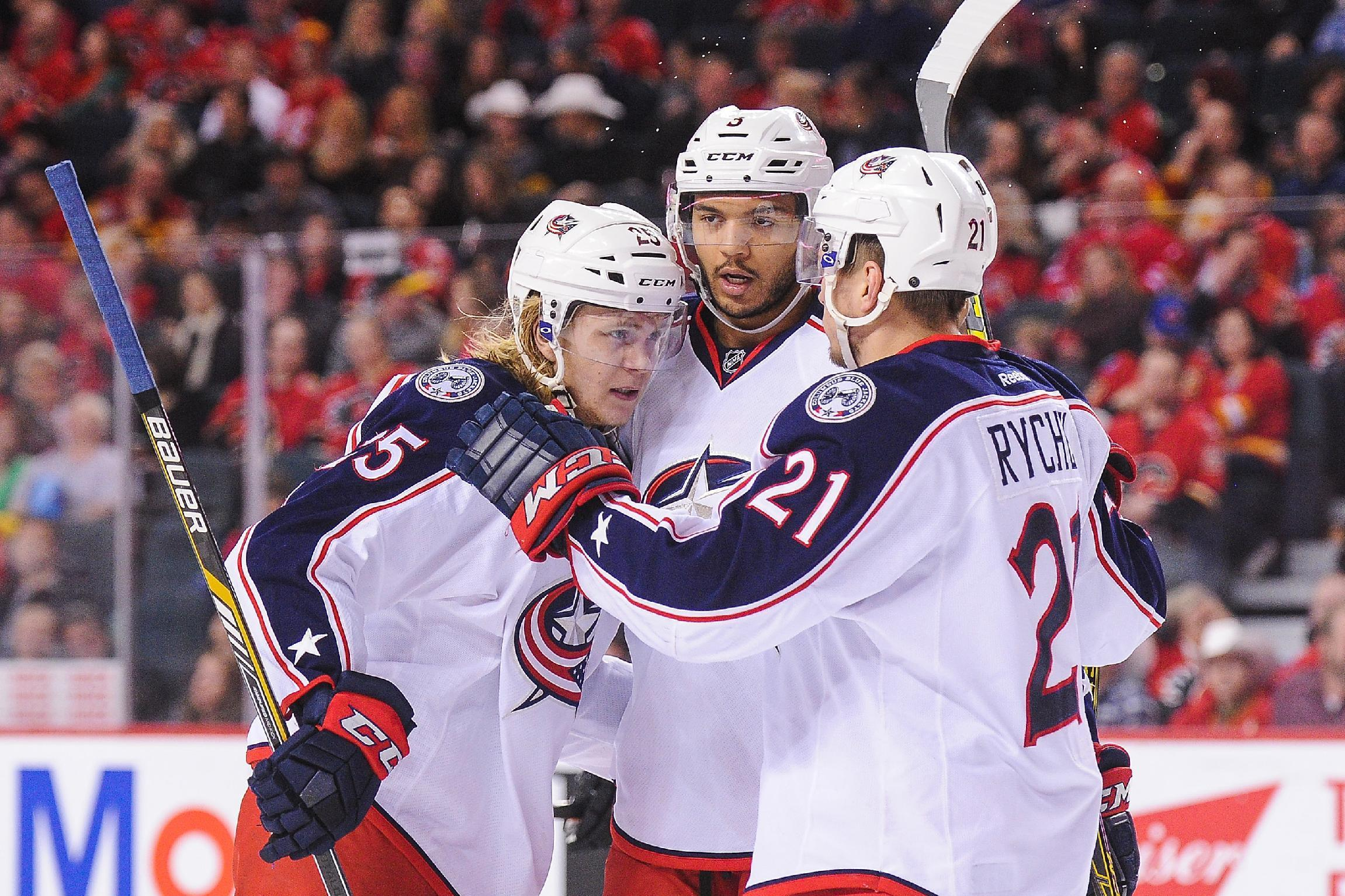 NHL Three Stars: Karlsson leads Blue Jackets; Lightning keep rolling