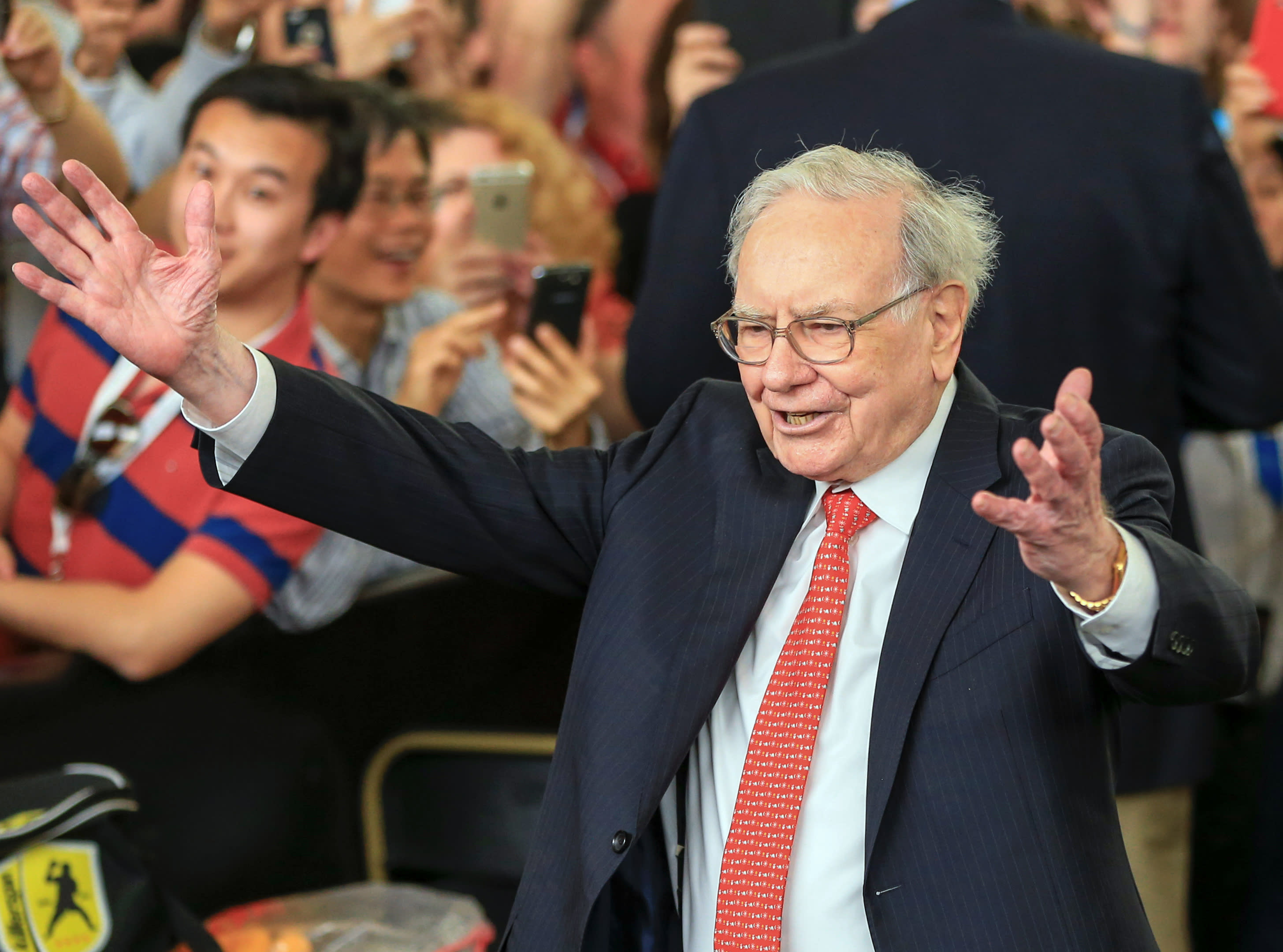 Warren Buffett on wages, market highs and HP turnaround continues