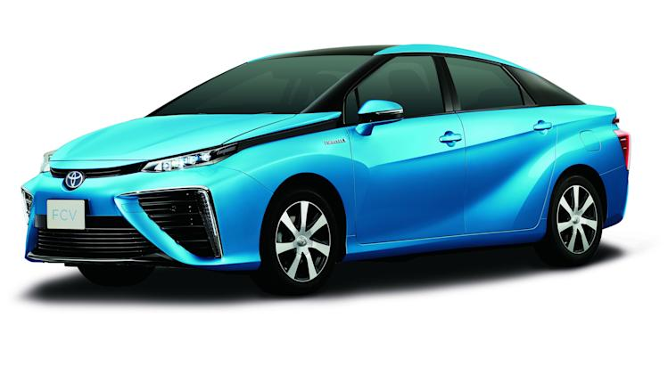 Toyota's fuel-cell sedan is expected in 2015.