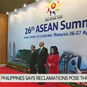 Philippines Urges Asean to 'Stand Up' to China
