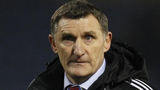 Tony Mowbray's Middlesbrough defeated npower Championship leaders Cardiff on Saturday