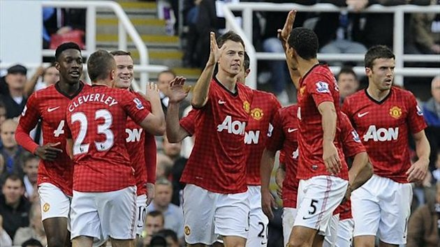 Manchester United celebrate Jonny Evans&#39;s goal against Newcastle on October 7