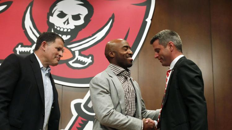 NFL: Tampa Bay Buccaneers-Ronde Barber Retirement Press Conference