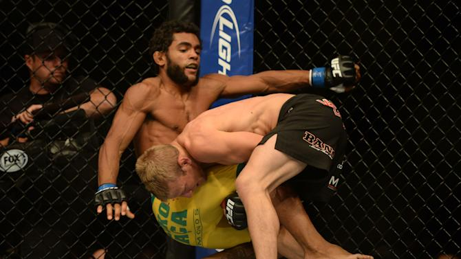 MMA: UFC on FOX 7-Dillashaw vs Viana