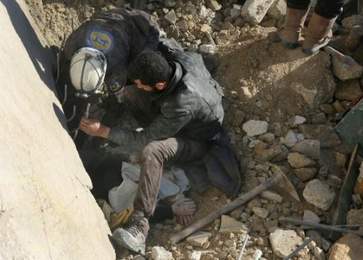 Syria rebels risk collapse after Russia-backed regime gains