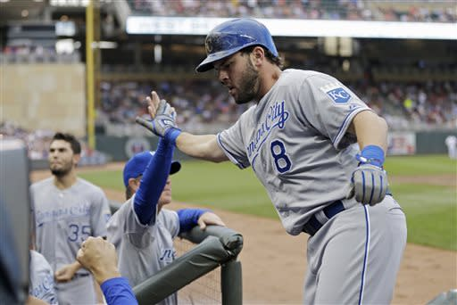 Hosmer homers, Shields shines as Royals beat Twins