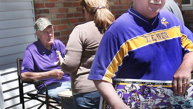 Bud Grant autograph hot item at his garage sale
