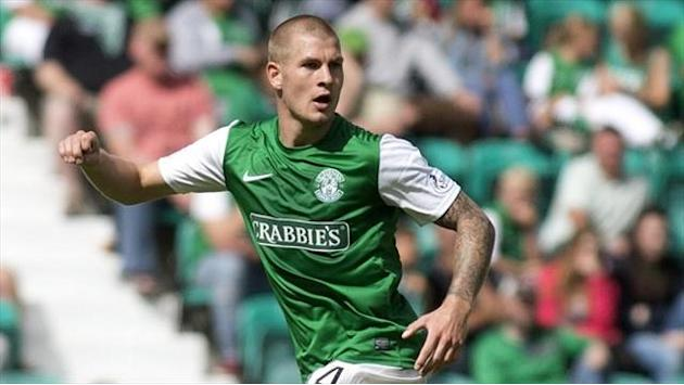 Football - Colllins strike earns Hibs away win
