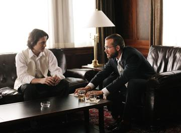 Mike Erwin and Ryan Reynolds in Warner Bros. Pictures' Chaos Theory