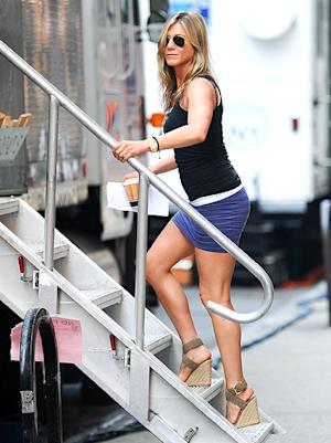 Jennifer Aniston Shows Off Amazing Legs in Tight Mini-Skirt