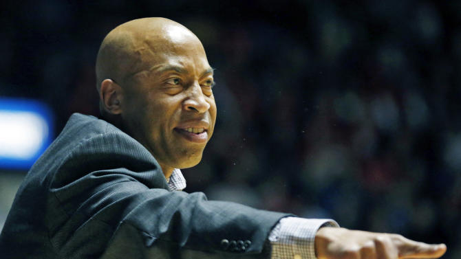 MSU coach apologizes for comment to Ole Miss guard